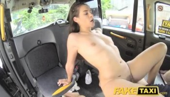 Curvaceous girl sucks on studs wang hungrily